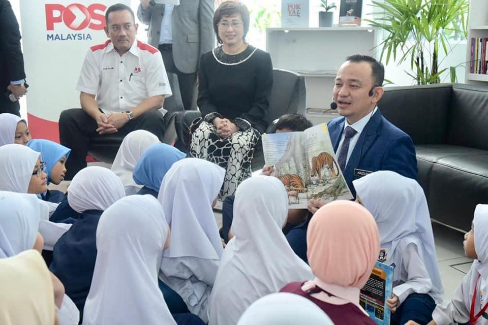 pos malaysia jadi pusat sudut bacaan